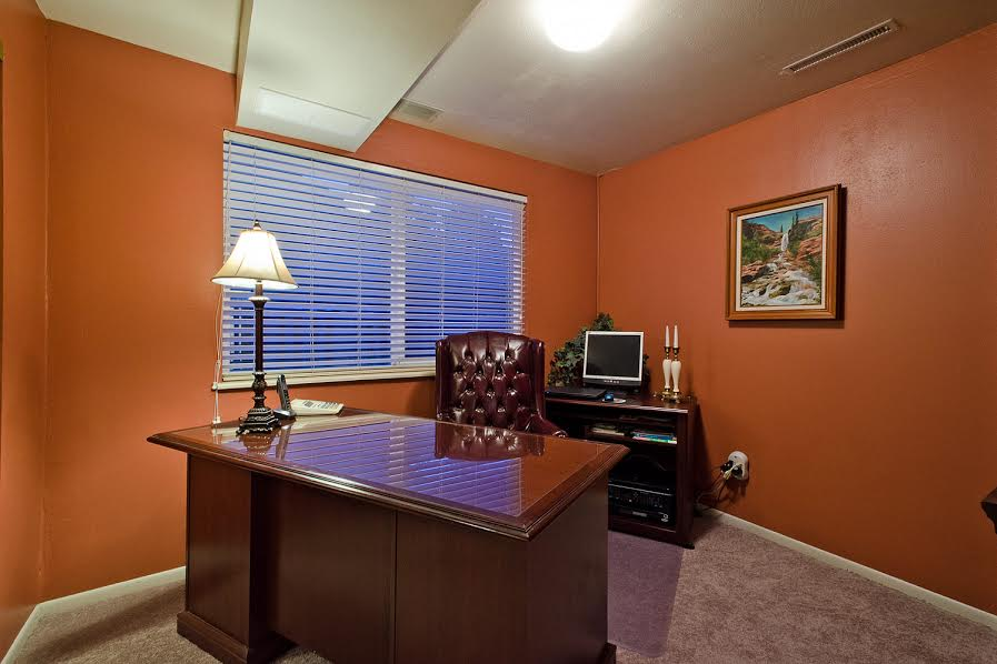 21-LL-BR-used-as-office