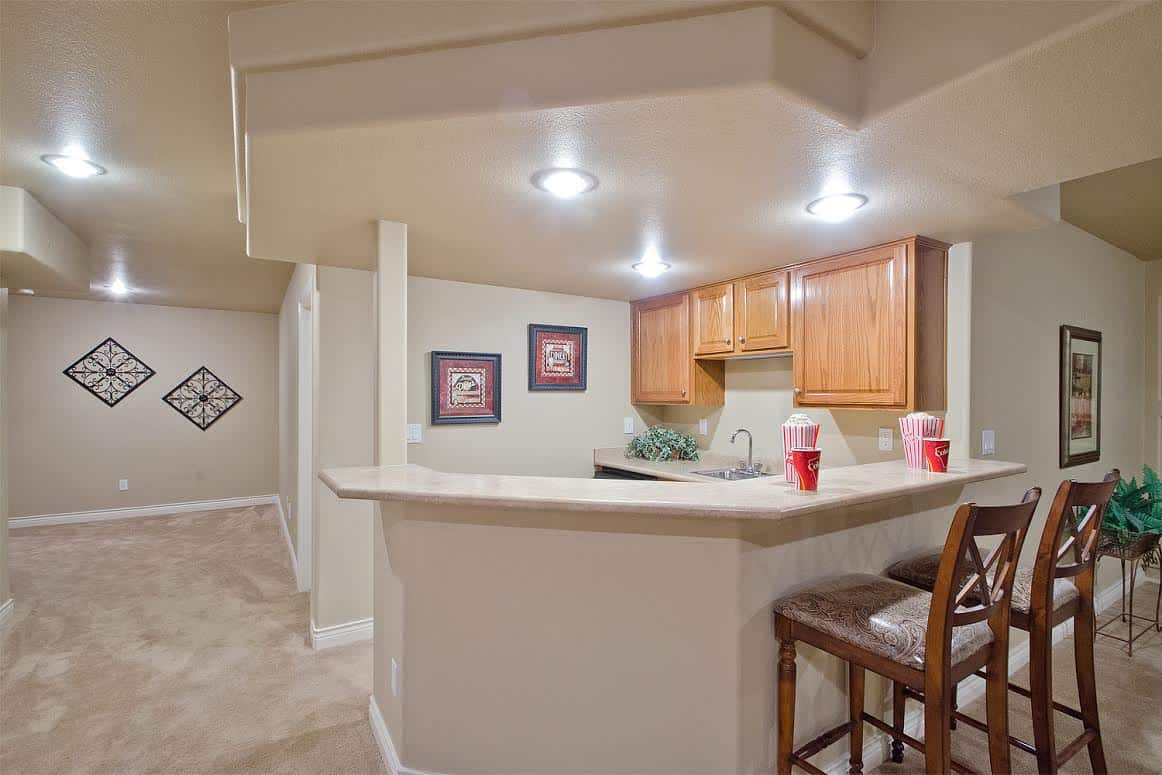 29 – Wet Bar Hall to BR