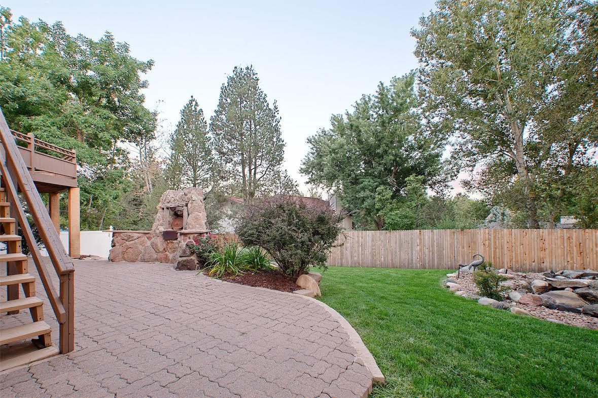 32 – Paver Patio and Fenced Yard