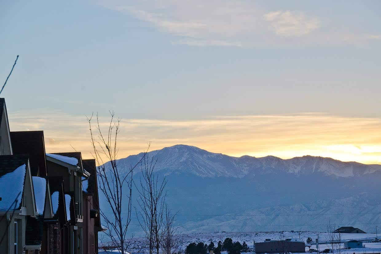 Pikes Peak Views from Street