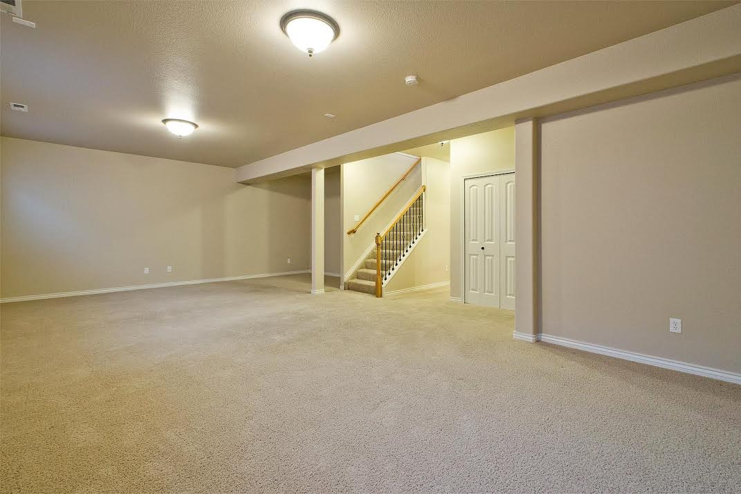Full Basement with 9ft Ceilings