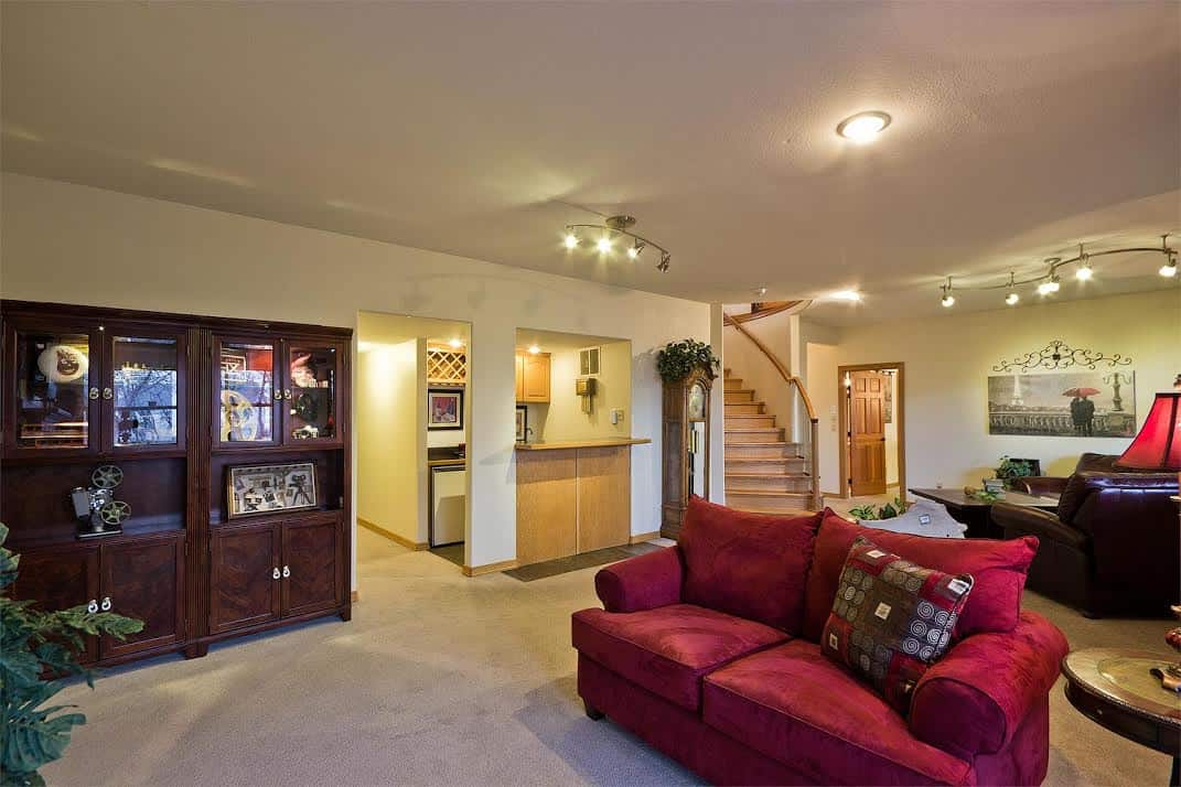 Basement Recreation Room with Wet Bar
