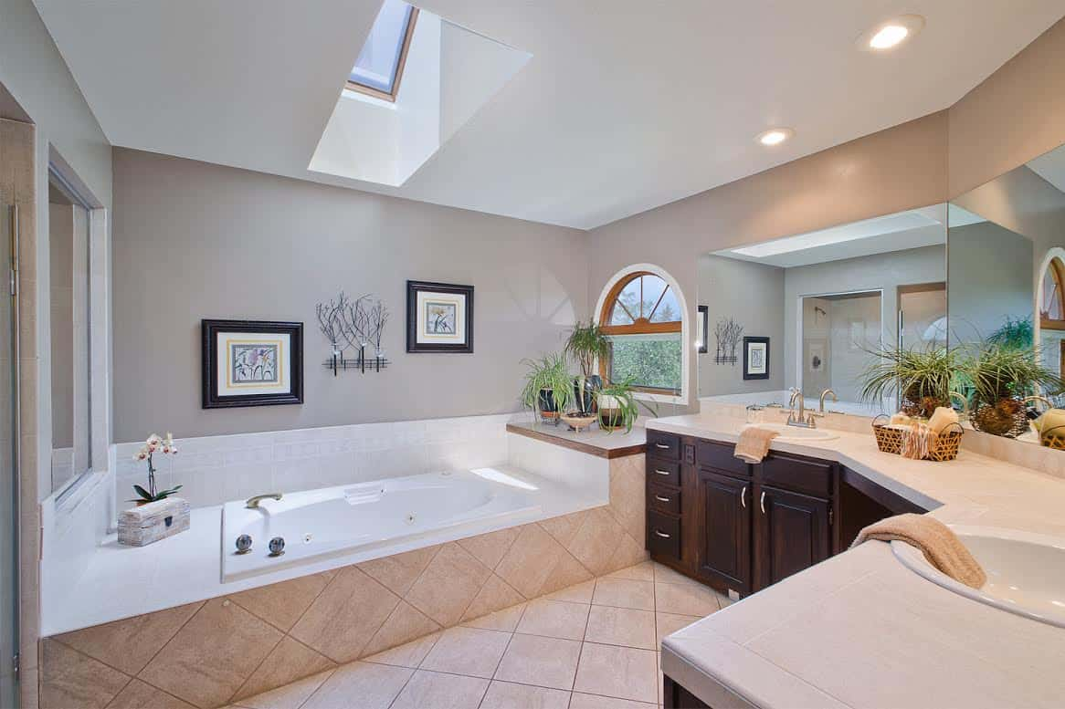 5pc Master Bathroom