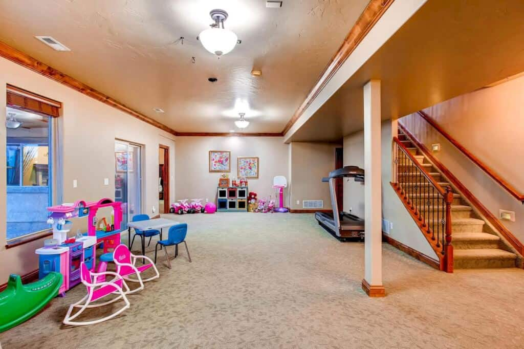 Expansive Walkout Basement with Recreation Room