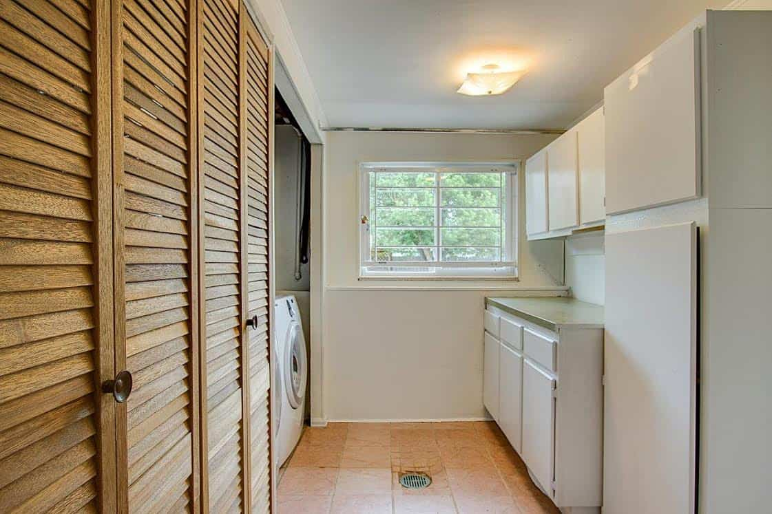 Lower Level Laundry w/Washer and Dryer Included
