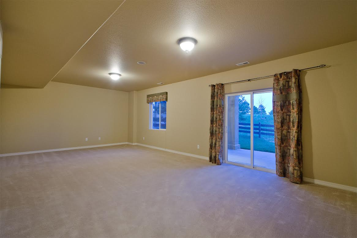 Walkout Basement with 9ft Ceilings