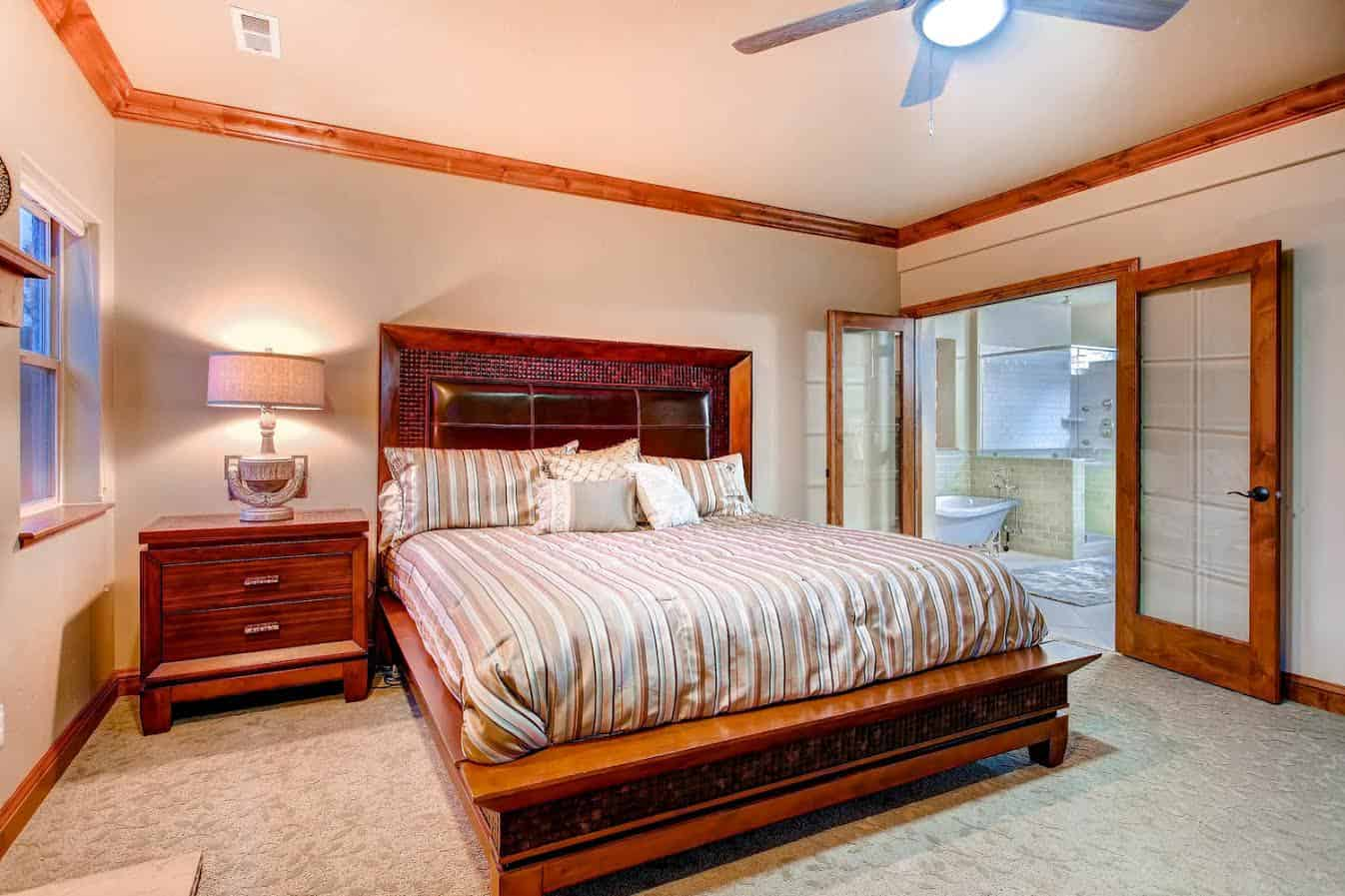 Jr Master Suite with 5pc Bath and Walkin Closet