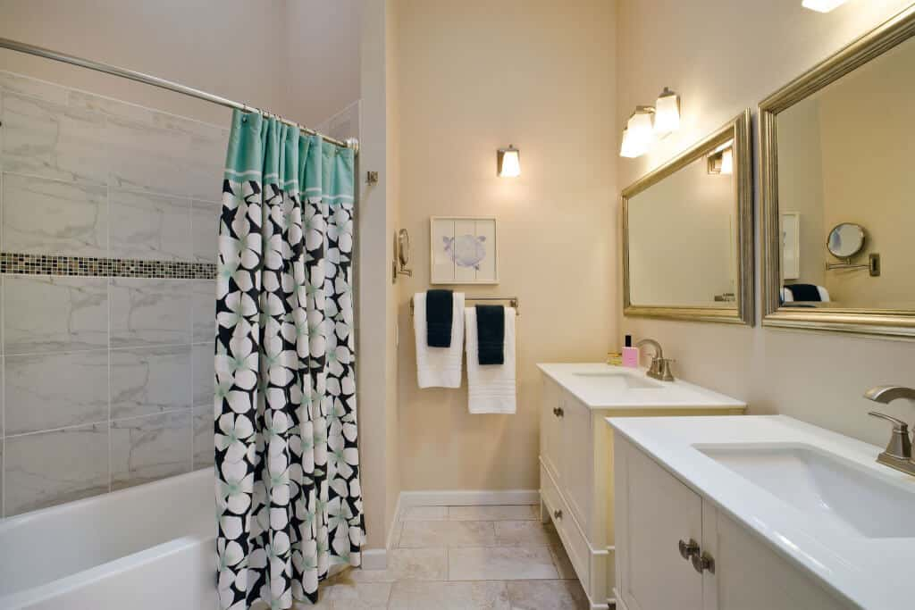 Upper Remodeled Full Bathroom