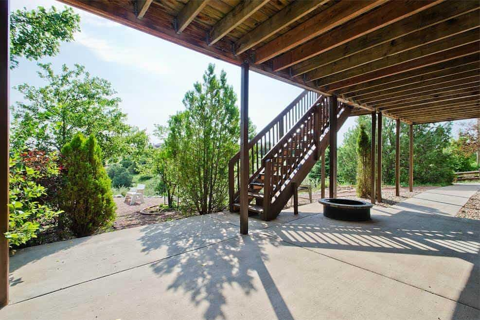 Large Covered Patio with Great Views