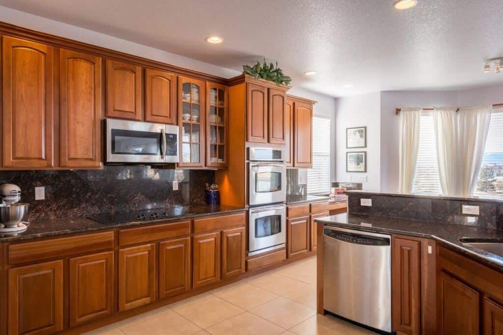 Upgraded Cherry and Granite Kitchen
