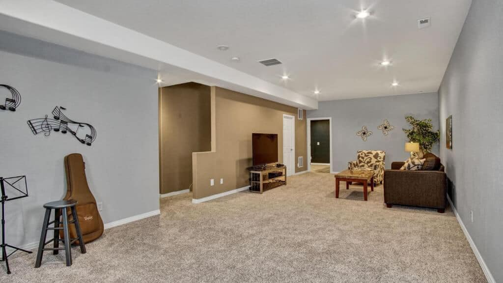 Large Recreation Room in Basement