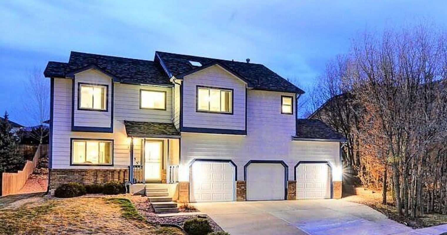 Briargate 2-Story with Pikes Peak and Front Range Views
