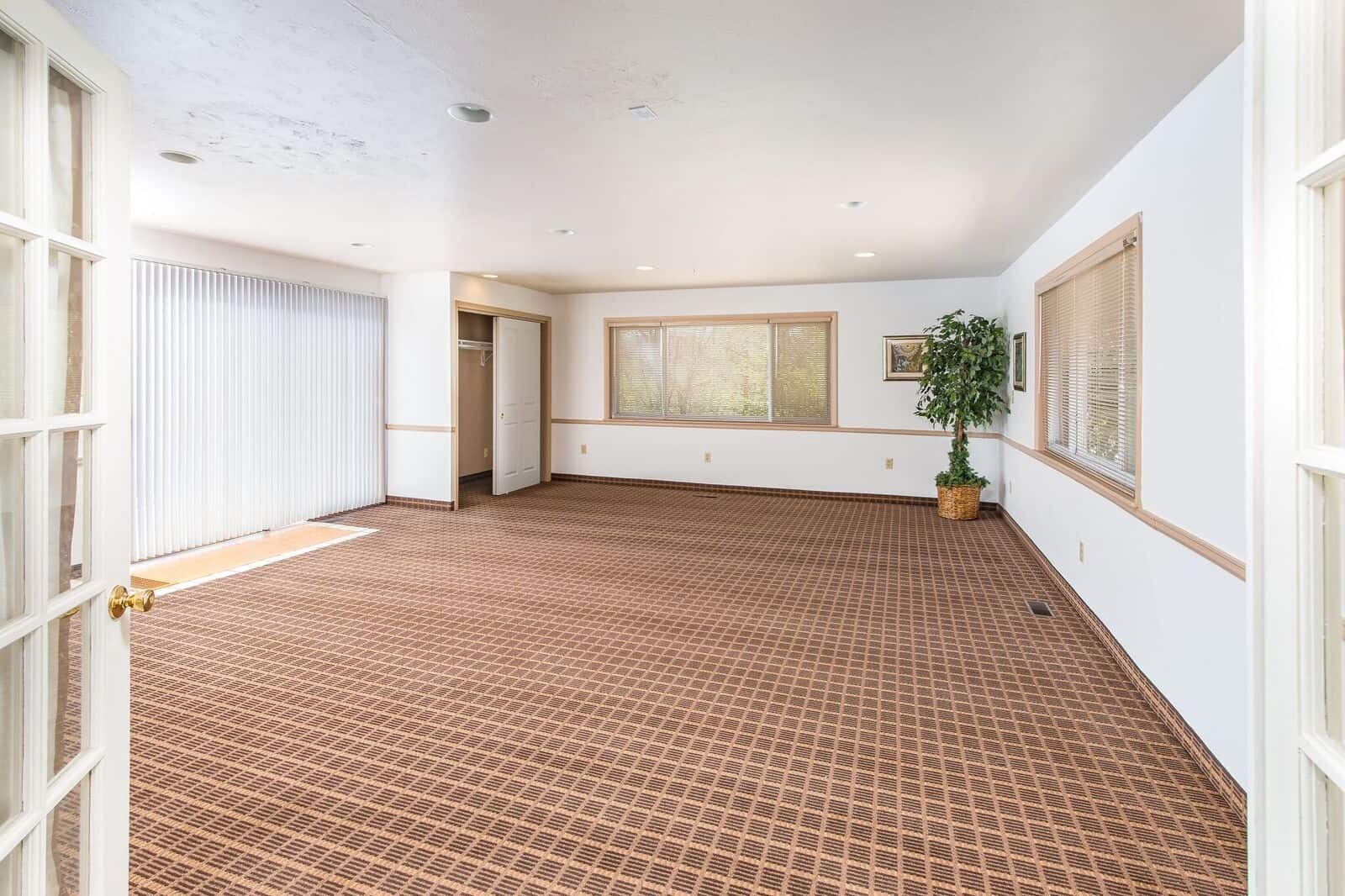 Large Family Room that could be used as a Bedroom