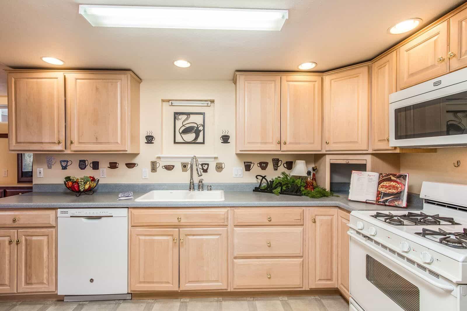 Lower Level Kitchen Detail