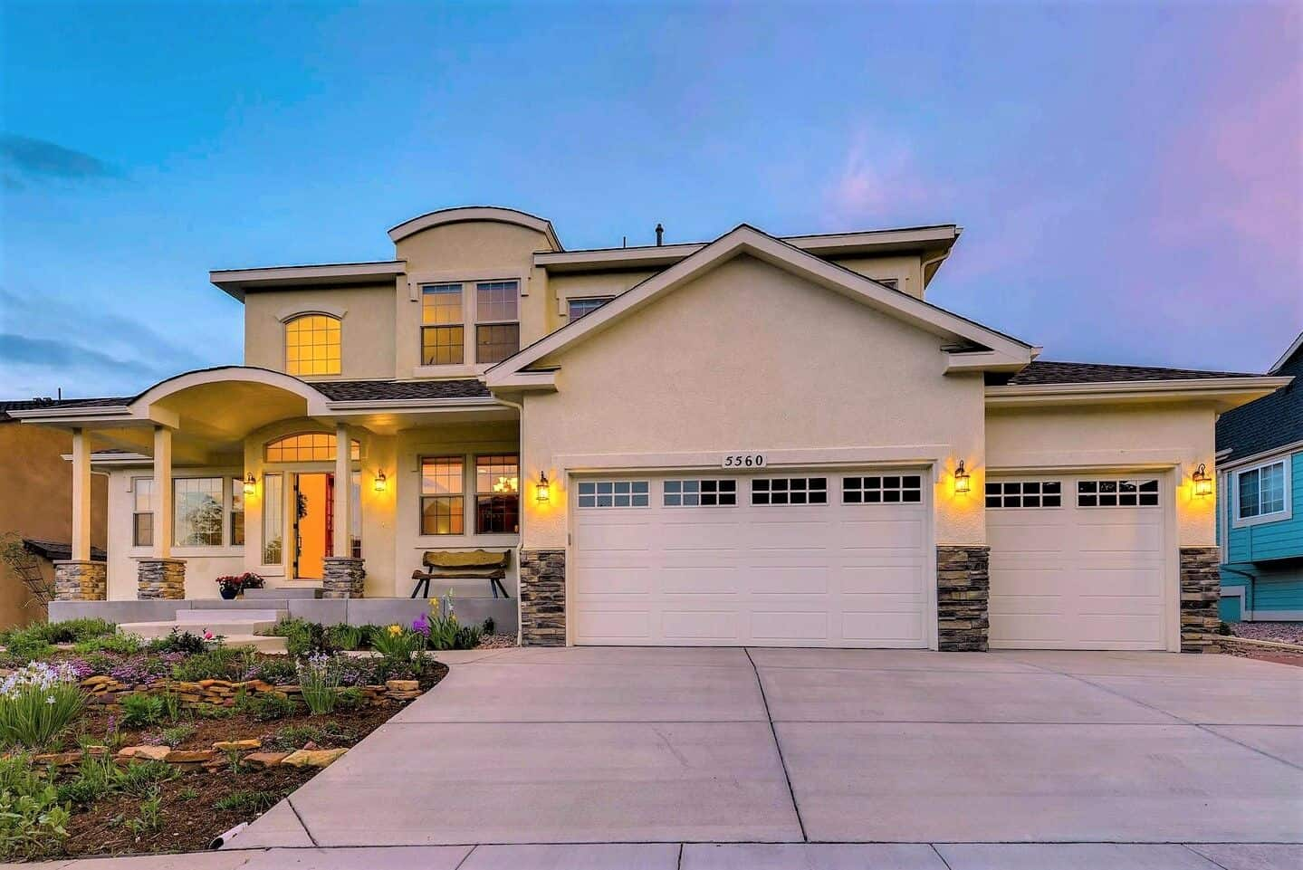 Stunning MTN Shadows View Home