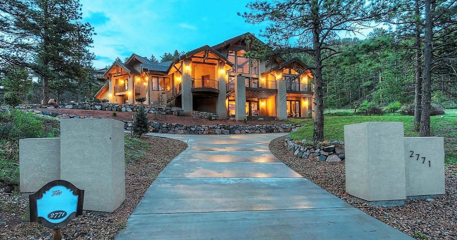 Front Entry to Mountain Estate Home