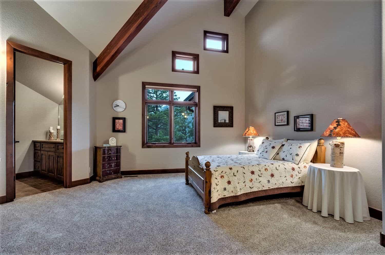 Upper Ensuite Bedroom 2 with Walkin Closet