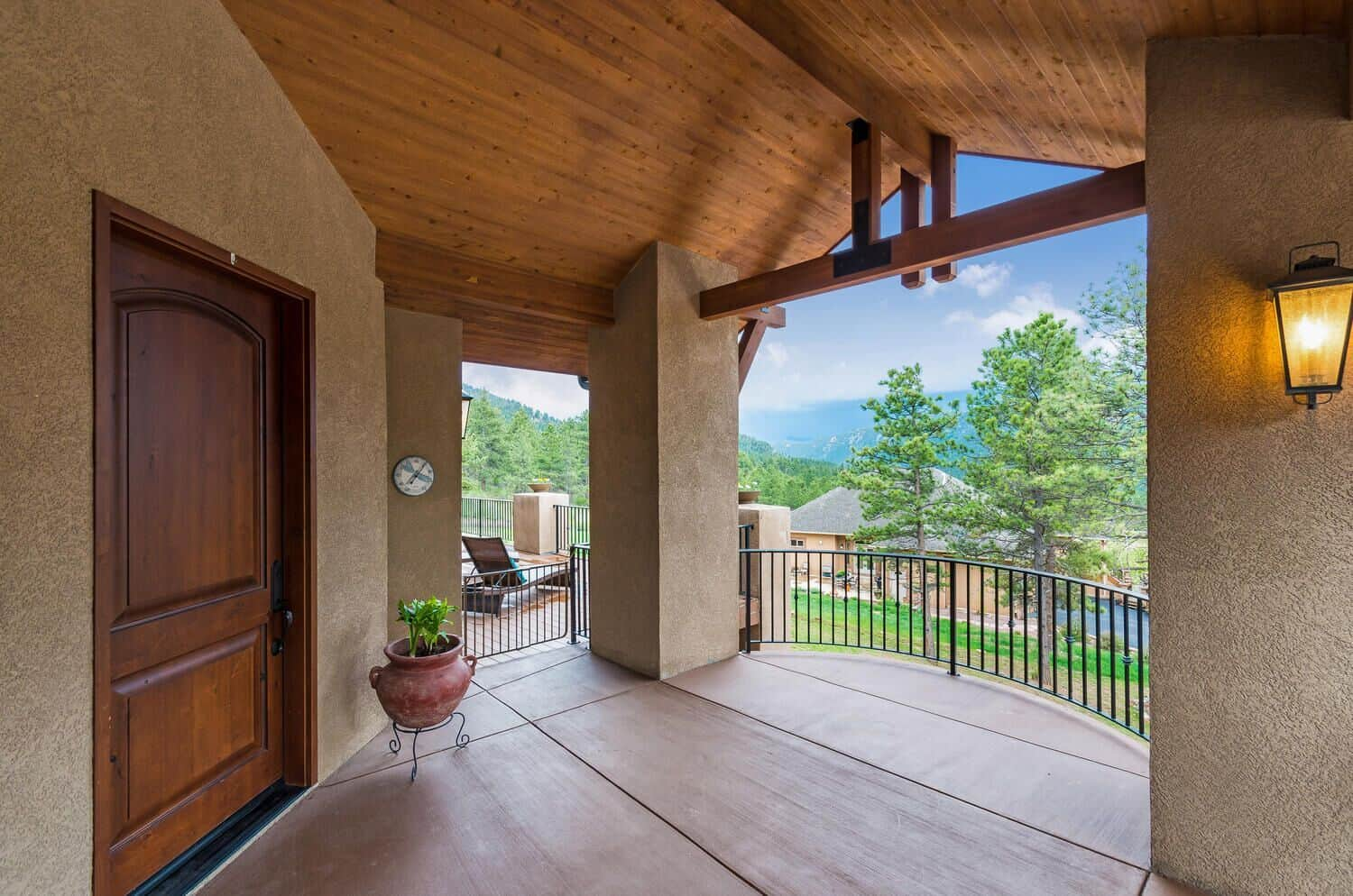 Front Deck and Entry