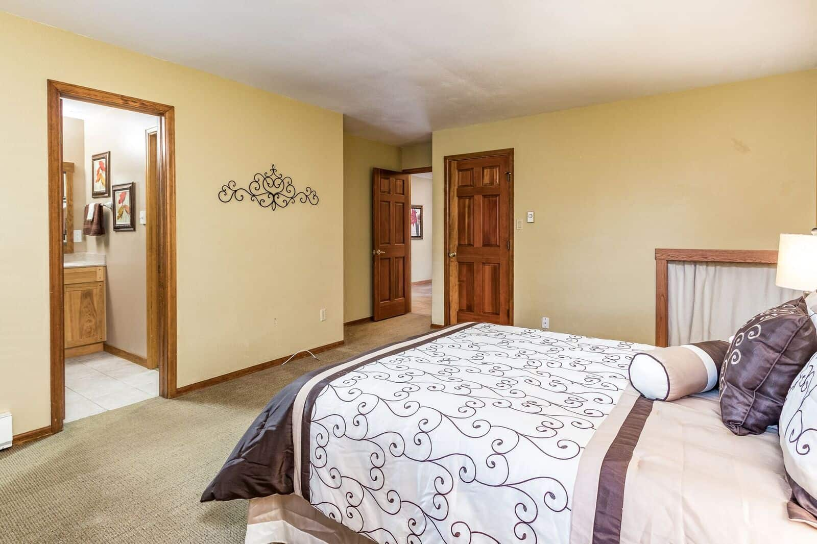 Upper Master Bedroom with Bath and 2 Closets