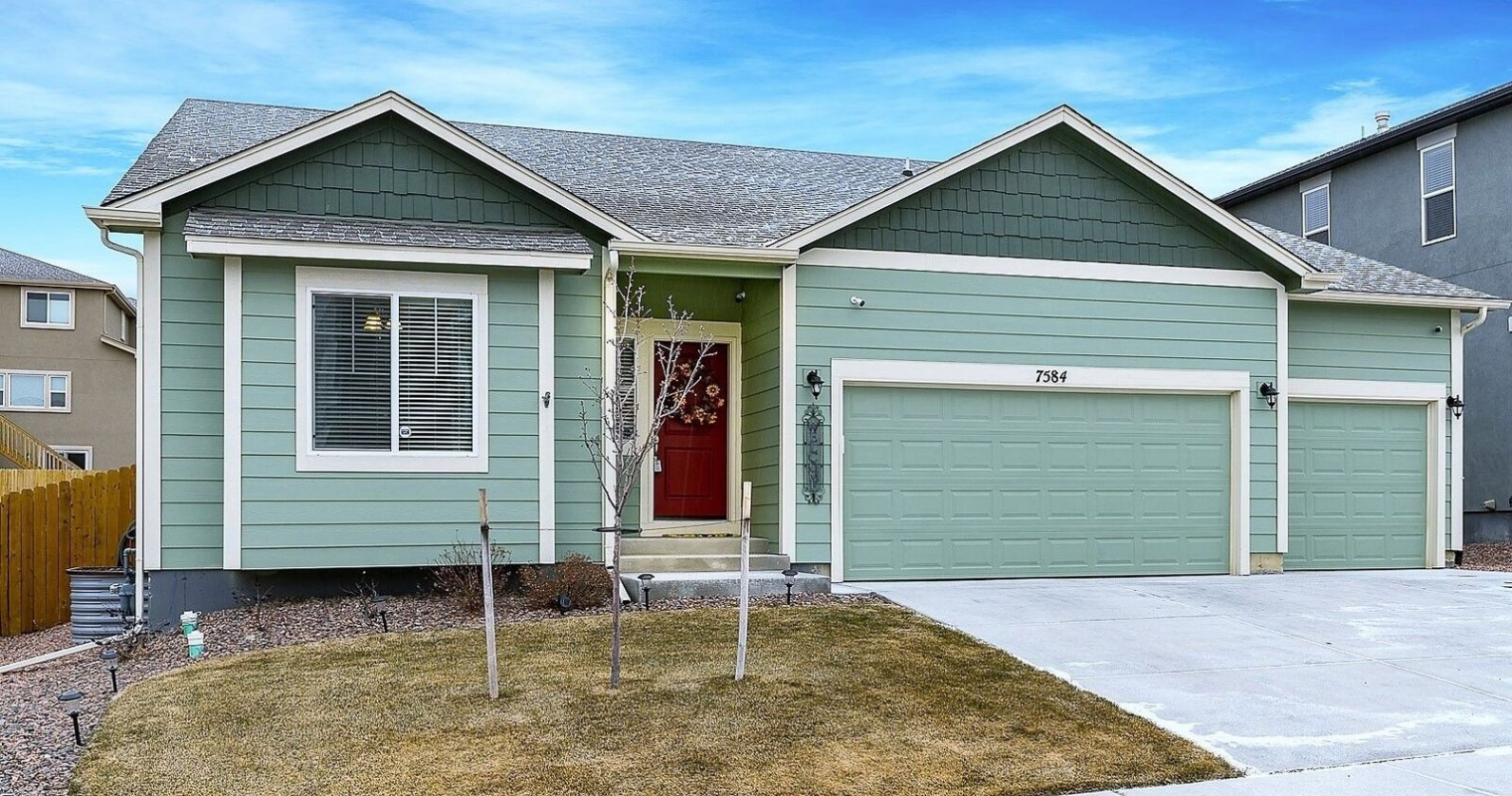 Stunningly Upgraded Rancher near Fort Carson