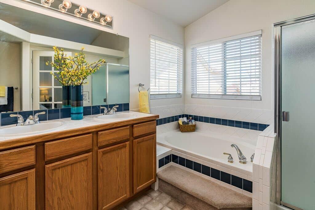 5pc Master Bathroom