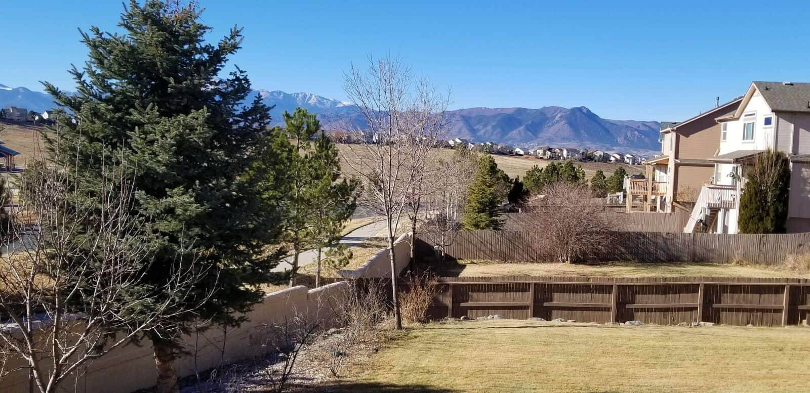 Mountain Views and Walking Trails behind the House