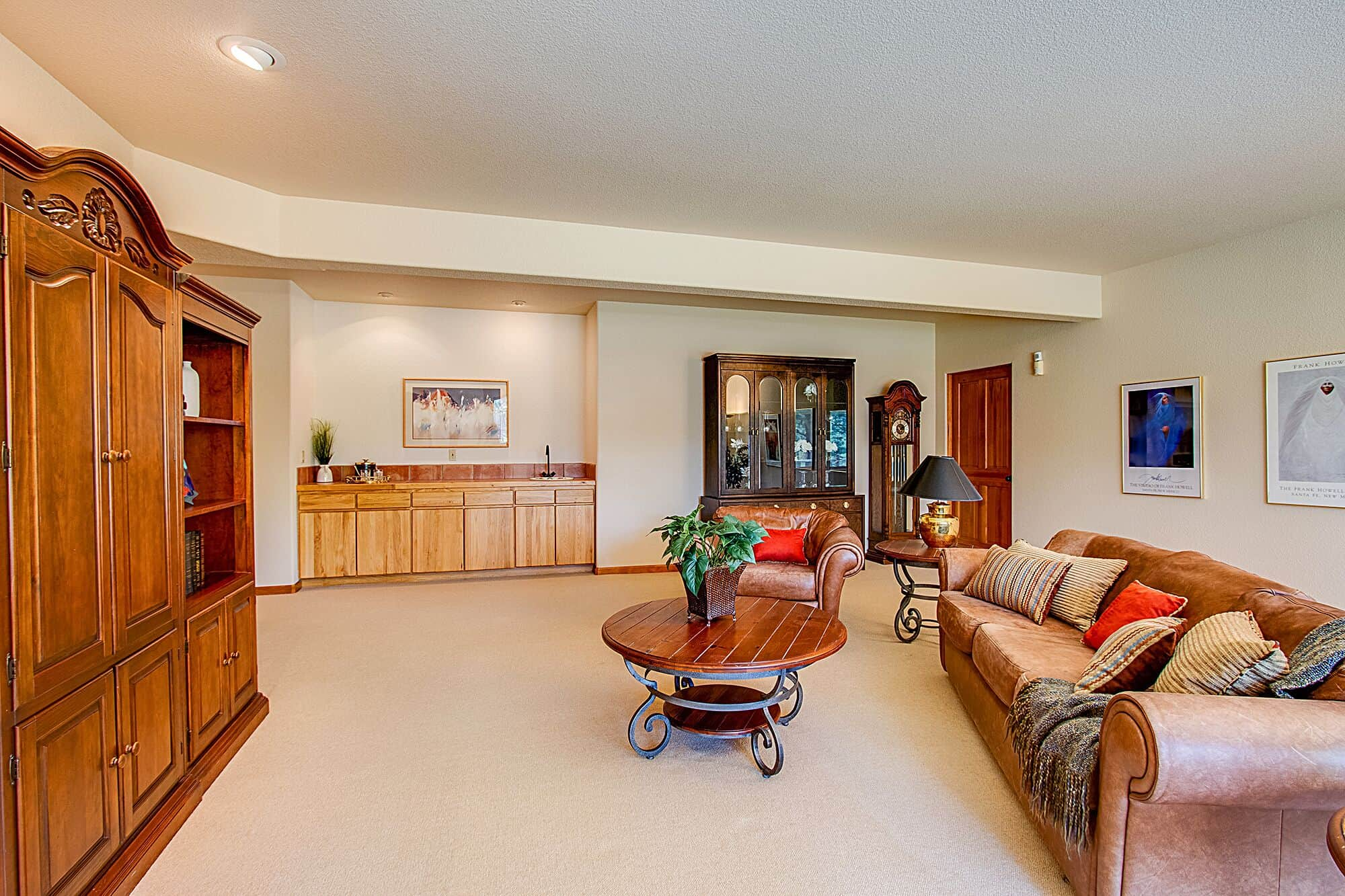 Walk-Out Basement Family Room with Wet Bar