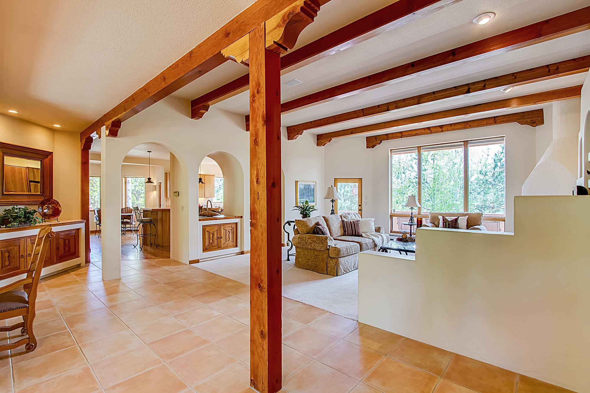 Open Plan with High Ceilings and Viga Details