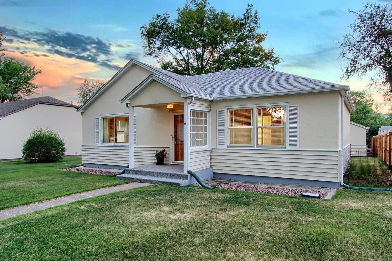 Beautifully Maintained Rancher in Central Colorado Springs