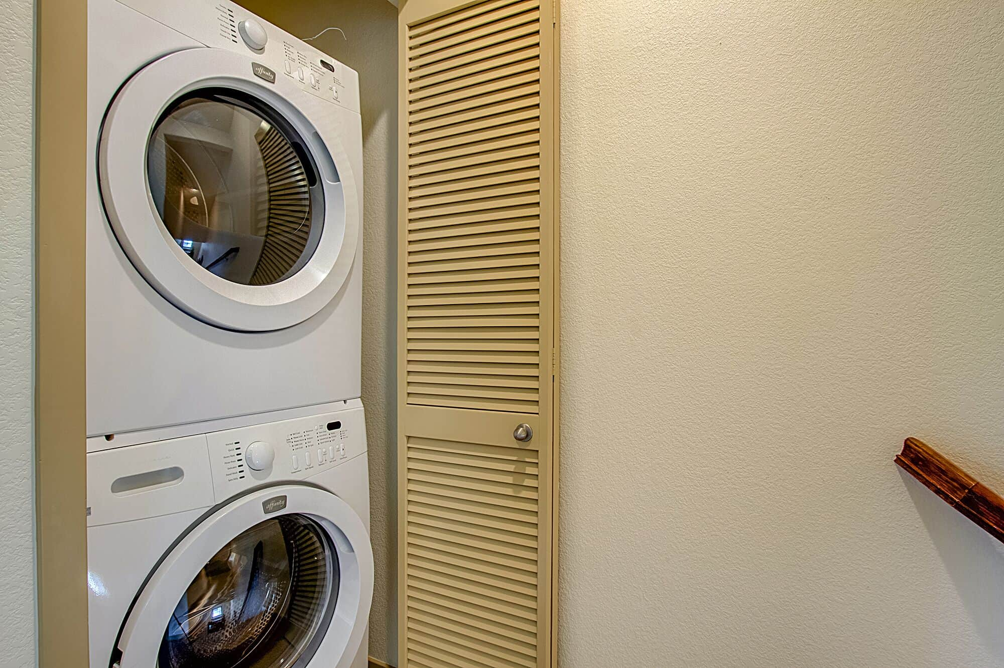 Convenient Upper Level Stacking Washer and Dryer