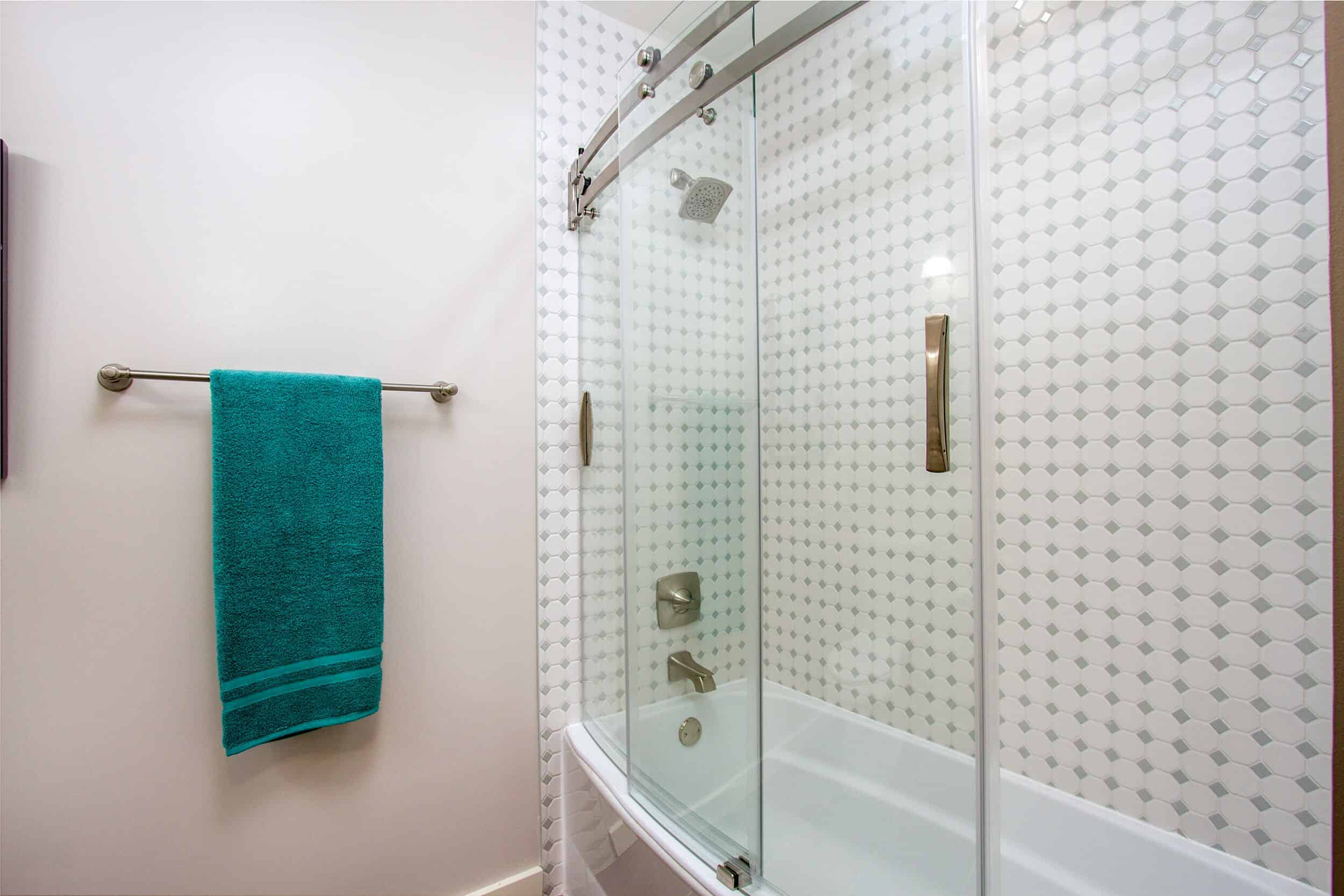 Upper Level Customized Tub Shower