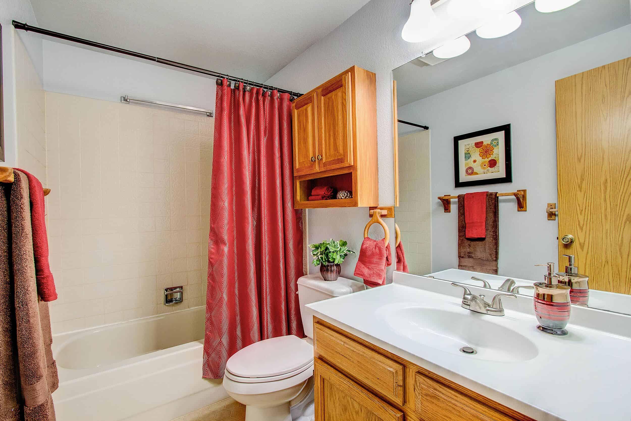 Front Bathroom off Bedroom 2