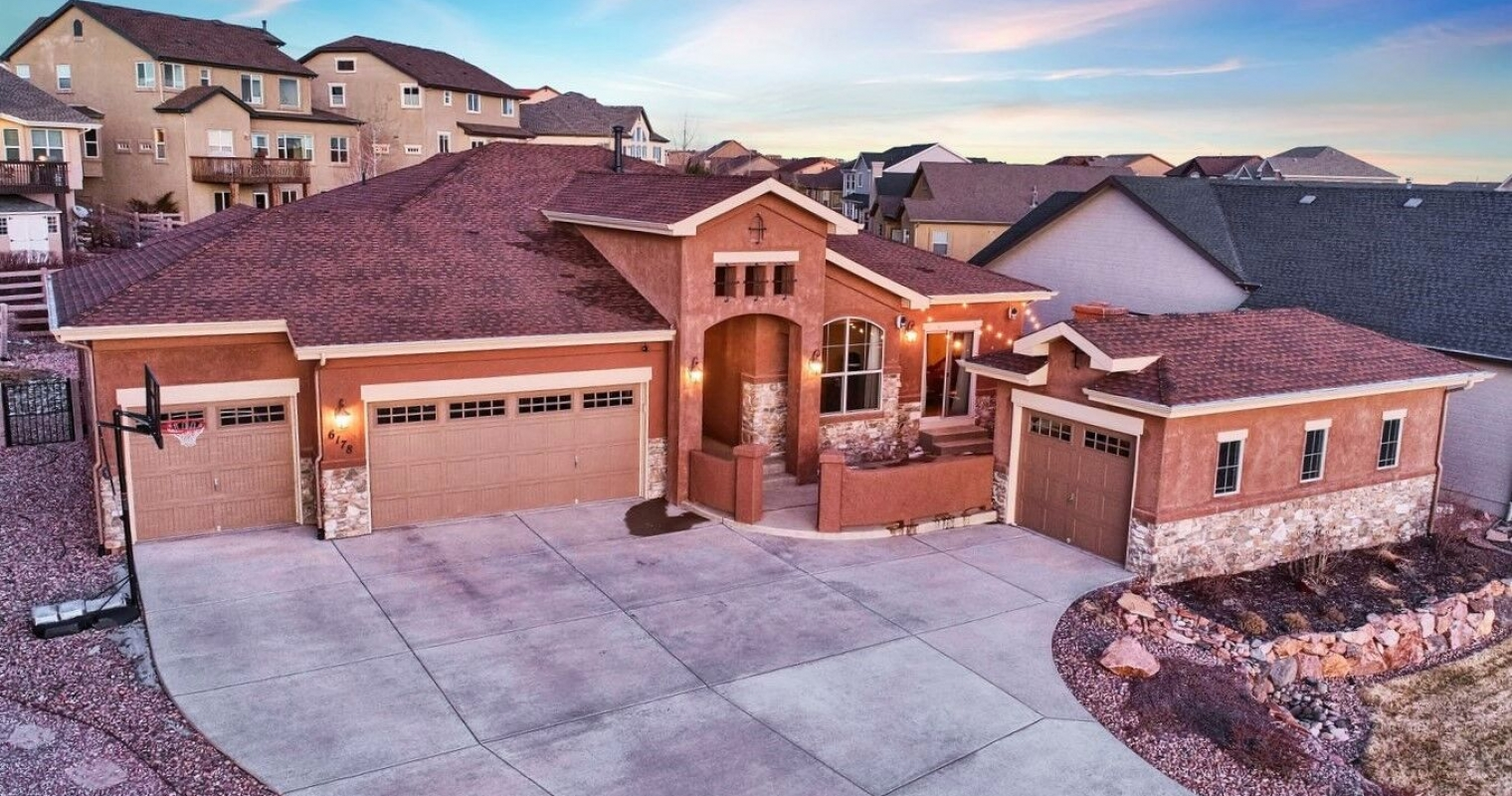 Impressive Semi Custom Rancher in Wolf Ranch