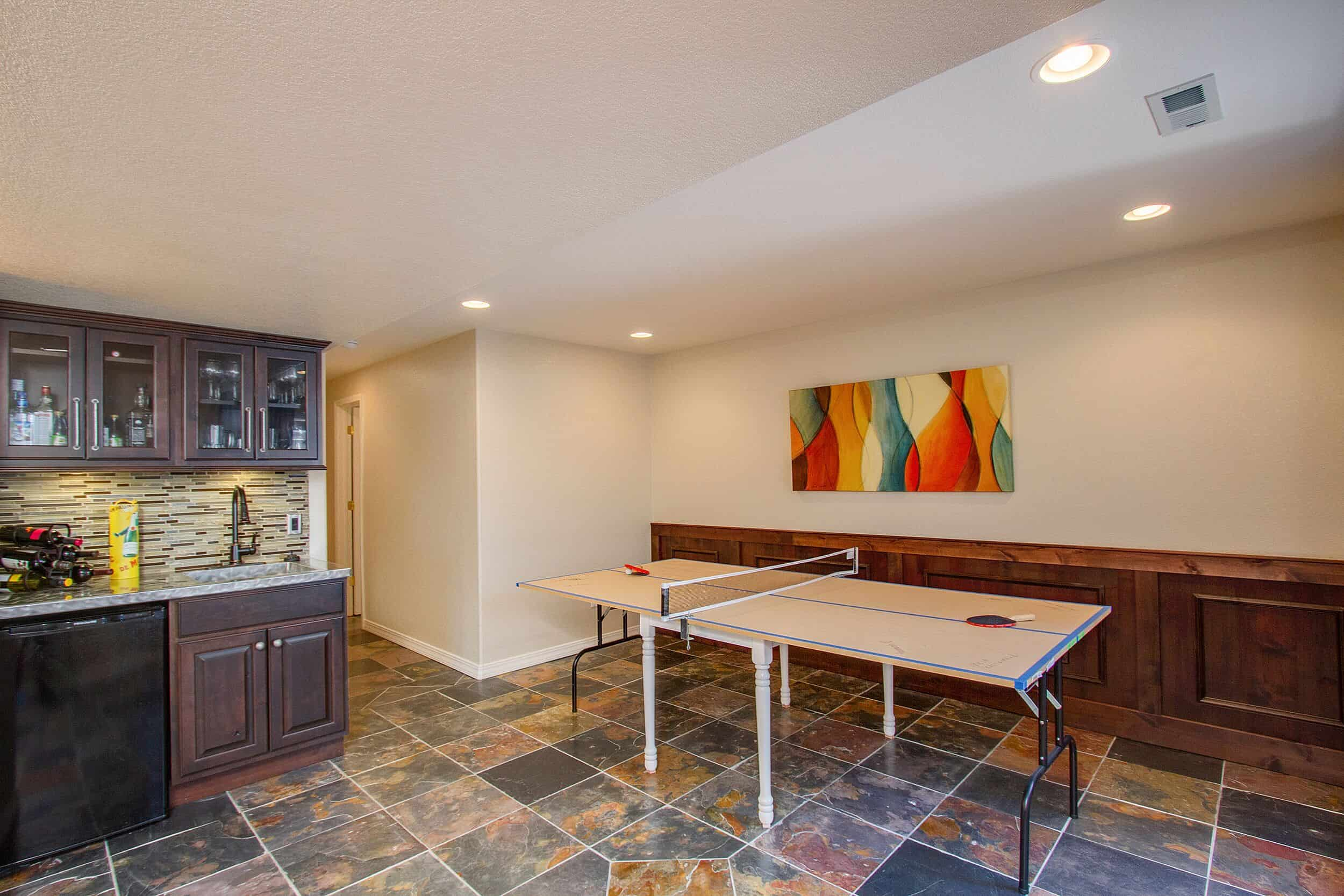 Recreation Room with Wet Bar